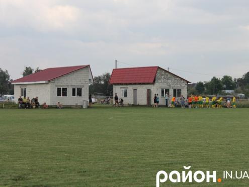 Інфраструктура на «Вельбас Арені» у Вельбівному