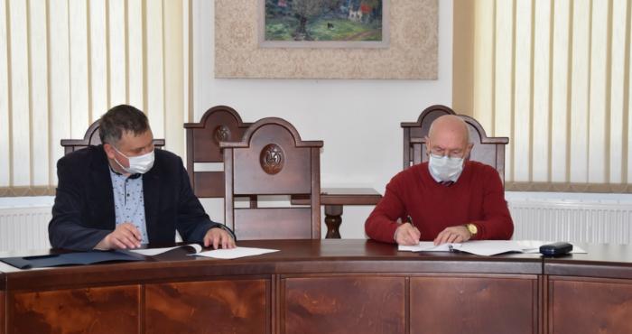 Острозька академія підписала меморандум про співпрацю з Національним інститутом стратегічних досліджень