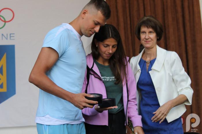 Михайло з дружиною Мариною та мамою Оленою Едуардівною