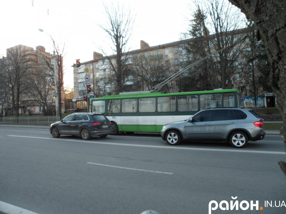 Поодинокі тролейбуси